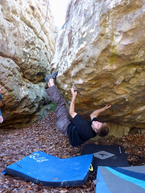 Fancy schmancy bat hanging trickery on Triple Threat V9.